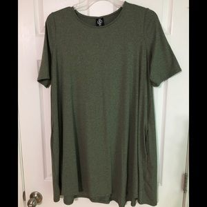 NWOT Army Green A&D Tunic With Pockets